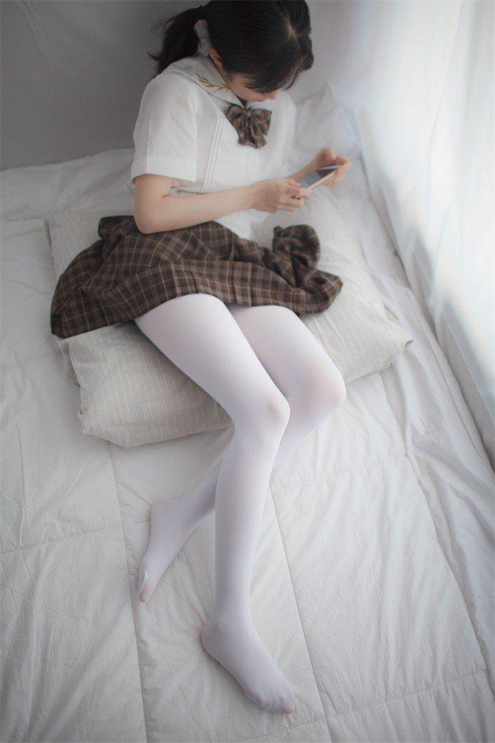 [少女秩序]少女秩序-美丝写真 VOL.007 少女的白丝短裙[51P/120M]